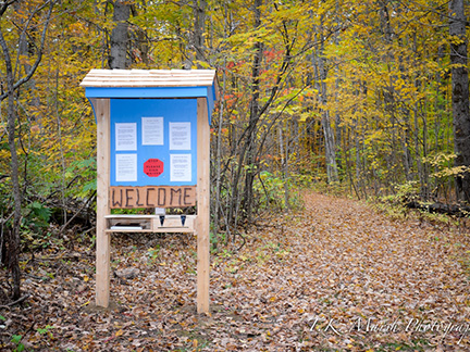 Welcome kiosk at Blueberry Mountain trail